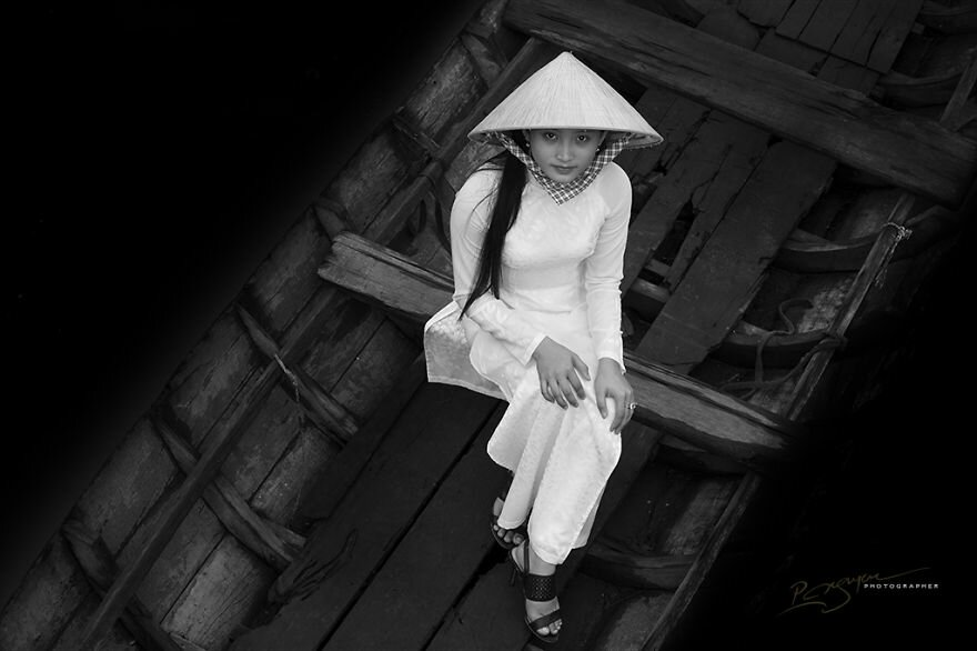 Visions-of-Vietnam-18-Inspiring-Images-by-Photographic-Artist-Nguyen-Vu-Phuoc1__880.jpg